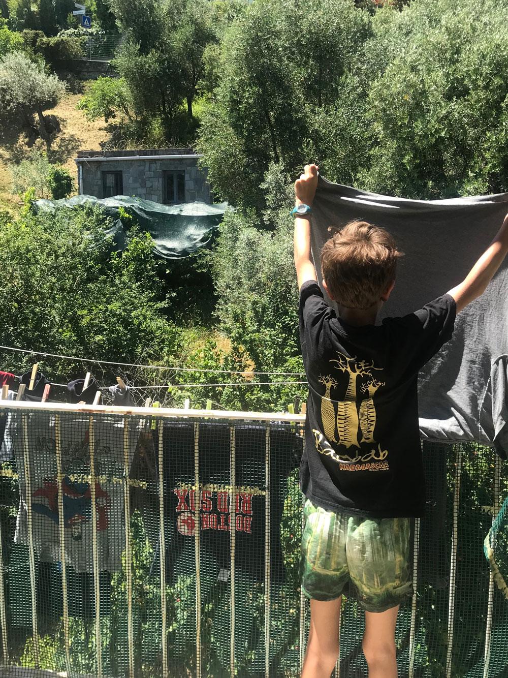 insegnare ai figli a fare il bucato
